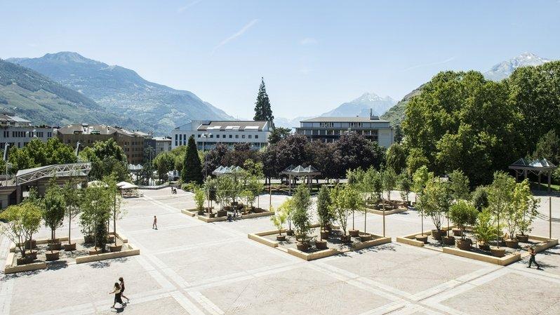 Sion: transformée en oasis pour l'été, la Planta réfléchit à son futur
