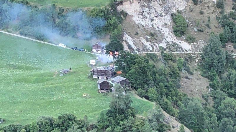 Une grange en feu à Saint-Martin