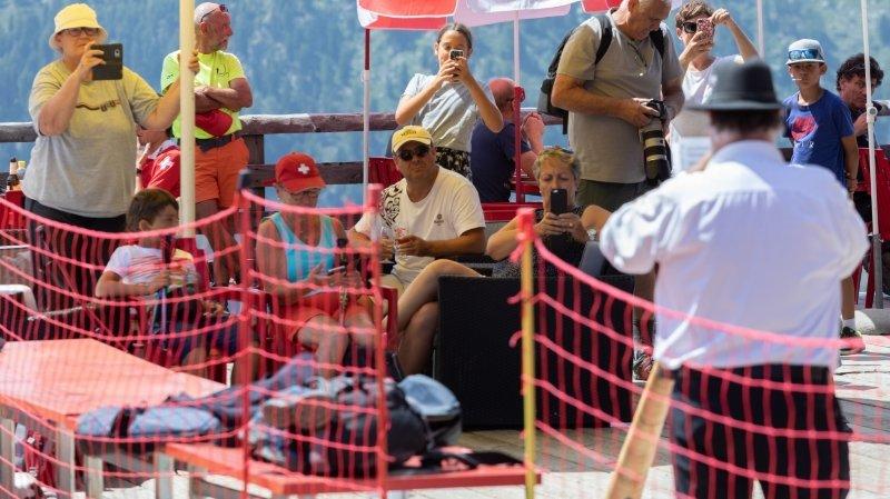 Tourisme en Valais et coronavirus: les Suisses compensent le manque d'étrangers