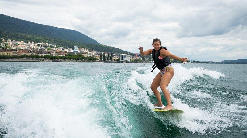 Le wakesurf à Neuchâtel, une sensation de glisse unique