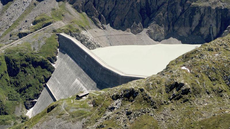 Le plus haut barrage-poids du monde transformé en piste de danse