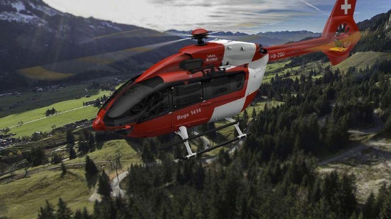 Un hélicoptère de l'armée a d'abord repéré le corps, à une altitude de 1720 mètres environ. La Rega l'a ensuite récupéré grâce à un treuil (archives).