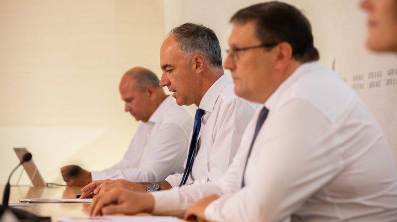 Christophe Darbellay (au centre) et Jean-Philippe Lonfat ont présenté jeudi la traditionnelle conférence de presse de la rentrée.