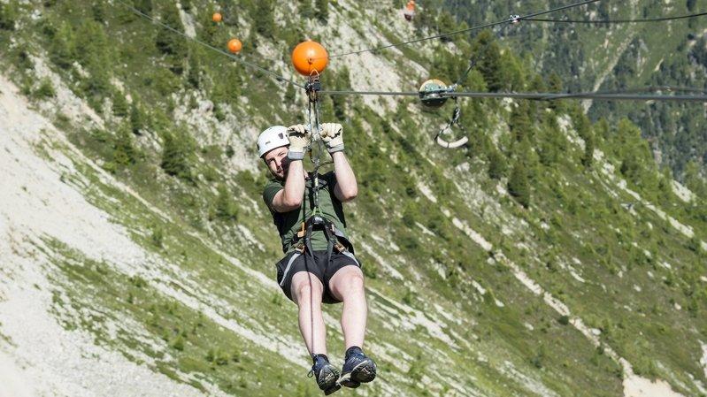 Sur les hauteurs de Champex-Lac, le délicieux vertige de la tyrolienne