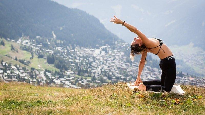 Le yoga en pleine nature sur les hauts de Verbier.