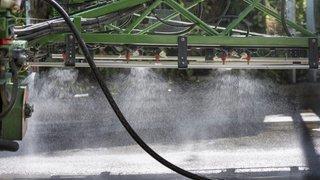 Des traces de chlorothalonil dans de l'eau potable en Valais: les réactions des communes concernées