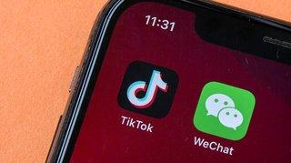 Réseaux sociaux: après TikTok, Donald Trump veut interdire l'utilisation de WeChat