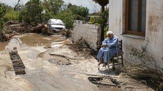 Inondations en Grèce: le bilan s'alourdit à 5 morts dont un bébé, et deux disparus