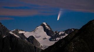 La comète Neowise au-dessus de l'Aletsch Arena