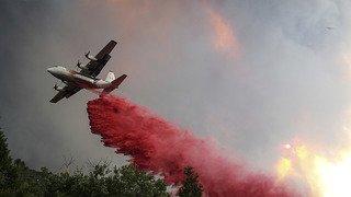 Etats-Unis: un feu progressant rapidement entraîne l'évacuation de centaines de maisons en Californie