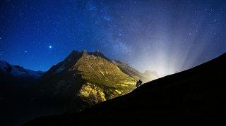 Evolène: des montagnes illuminées pour la fête nationale