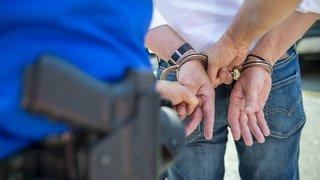 Affaire de drogue dans le Valais central: ce qui est reproché aux garagistes et au policier