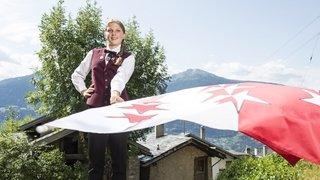 Chermignon: plus jeune lanceuse de drapeau de Suisse, Isaline veut insuffler un vent nouveau à cette discipline