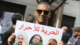 Algérie: le journaliste indépendant Khaled Drareni condamné à trois ans de prison ferme