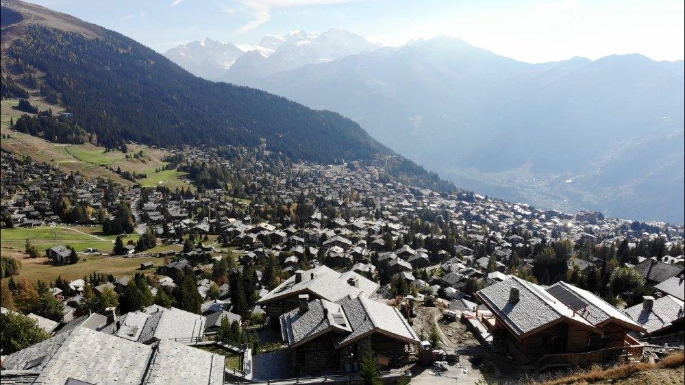 L'affaire des constructions de Bagnes provoque des remous au niveau cantonal.