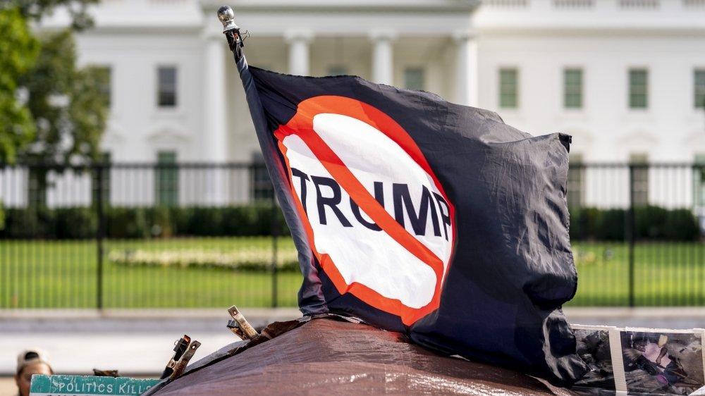Des républicains lâchent Trump
