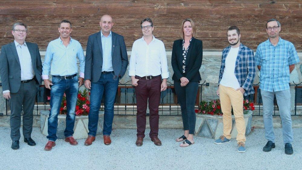 La liste «Veysonnaz ensemble»: Olivier Fournier (juge), Dominique Fournier, Patrick Lathion, David Théoduloz, Laurence Fournier, Alexandre Ferchaud, Jean- Philippe Glassey (vice-juge).