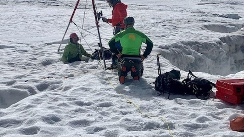 La malheureuse a été sortie de son piège de glace après deux jours et deux nuits.