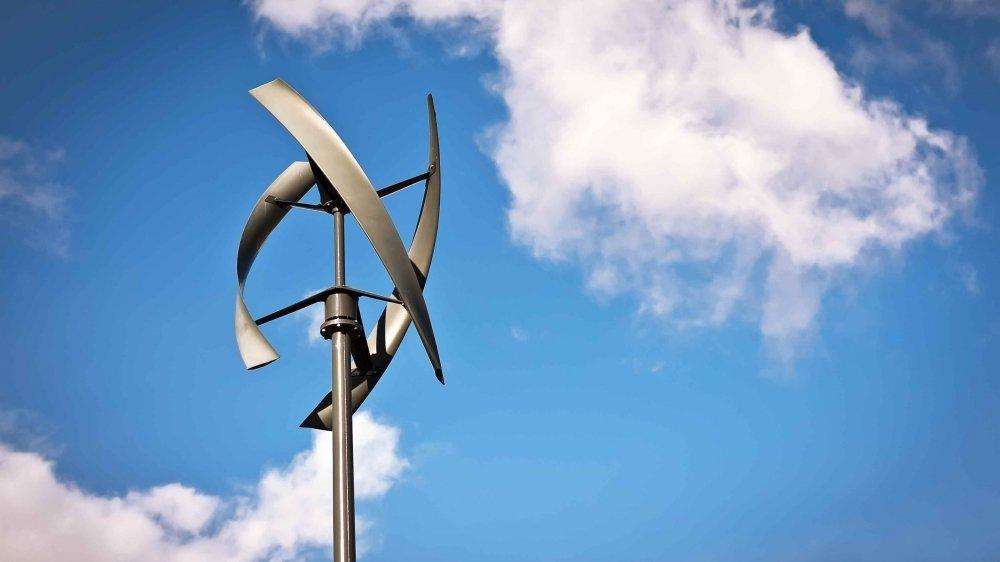 Avant d'installer une éolienne chez soi il faut prendre en compte plusieurs critères.