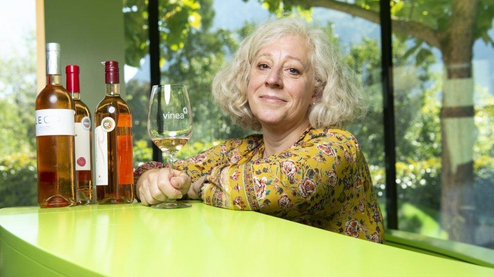 Spécialiste du rosé, la master of wine Elizabeth Gabay a fait partie du jury du Mondial des pinots dont les dégustations se sont déroulées à Sierre du 4 au 6 septembre.