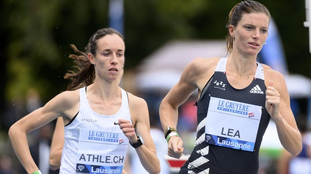 Lore Hoffmann (à gauche) a fini très fort son 800 mètres jusqu'à courir 19 centièmes plus vite qu'en 2018.