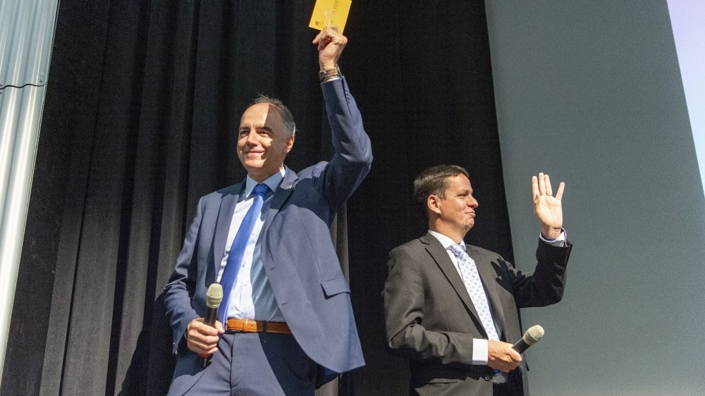 Christophe Darbellay et Serge Gaudin ont officiellement été désignés par le congrès du PDCVr.