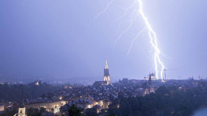 Avec 95'705 décharges, juillet a été le mois avec le plus grand nombre de coups de foudre en Suisse. (illustration)