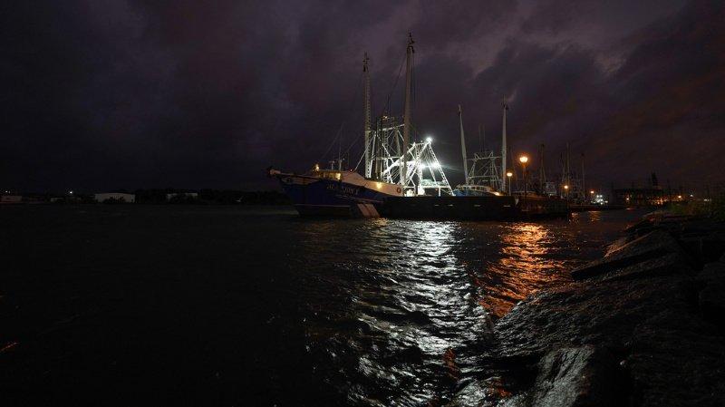 Etats-Unis: l'ouragan Laura a touché terre, la Louisiane et le Texas en alerte maximale