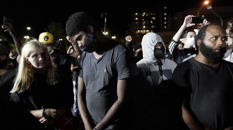 Etats-Unis: Jacob Blake, le Noir blessé à Kenosha avait un couteau, affirment les autorités