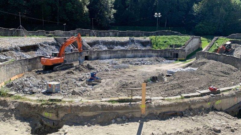 L'amphithéâtre de Martigny n'accueillera pas les reines du combat de la Foire du Valais et leurs aficionados. Ce sont des machines de chantier qui occupent désormais ce site historique.