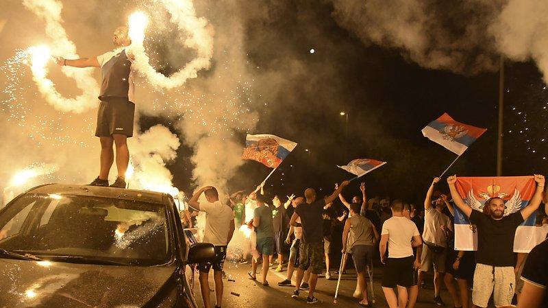 Des partisans de l'opposition ont exulté dans les rues de Podgorica, circulant en tous sens à bord de voitures, ou en tirant des feux d'artifice.