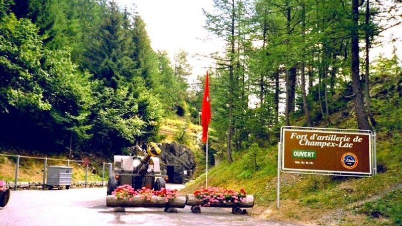 A Champex, on peut découvrir un ancien ouvrage militaire dans la montagne