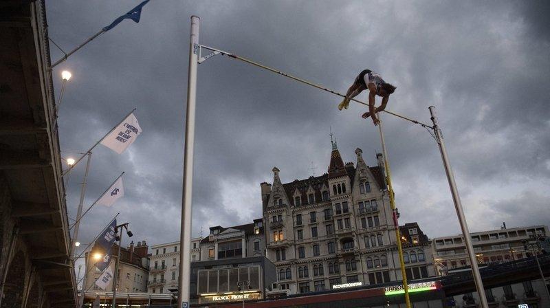 Duplantis a battu son record en plein air, tout en améliorant la meilleure performance de l'année, le record de Suède et celui du meeting.