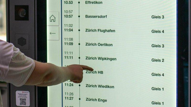 Les informations sont agencées de manière interactive: l'écran tactile permet d'afficher des informations détaillées supplémentaires telles que la disposition des voitures.